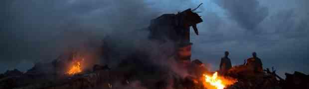 Missile colpisce aereo della Malaysia Airlines: 300 vittime!